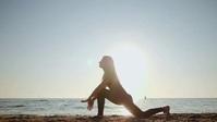 Health and yoga YouTube Duimnael template