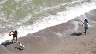 Playing volleyball near the sea in summer Gambar Mini YouTube template