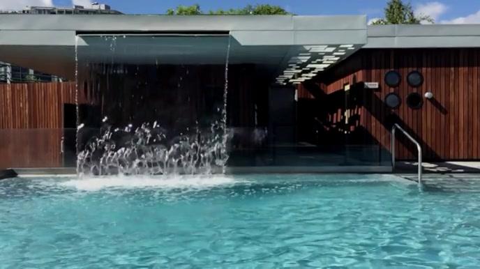 Resort Pool Zoom Virtual Background Video Pagtatanghal (16:9) template