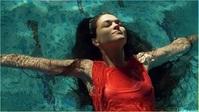 The girl Floating Isithonjana se-YouTube template
