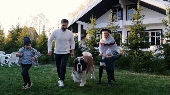 Video portrait of couple with their dog YouTube 缩略图 template