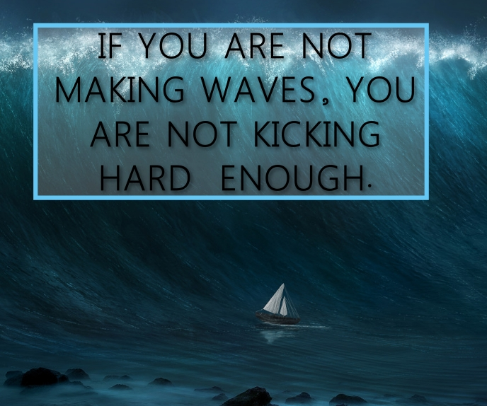 WAVES AND KICKING QUOTE TEMPLATE สามเหลี่ยมขนาดใหญ่