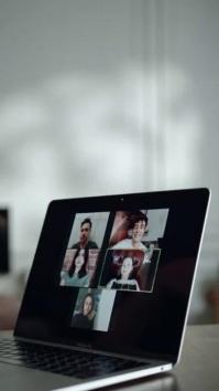 zoom Digital Display (9:16) template